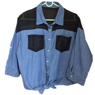このコーデで使われているシャツ/ブラウス[ネイビー/ブルー]