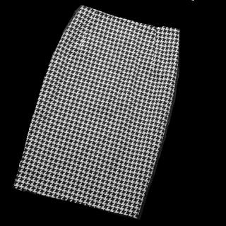 このコーデで使われているスカート[ブラック/ホワイト]