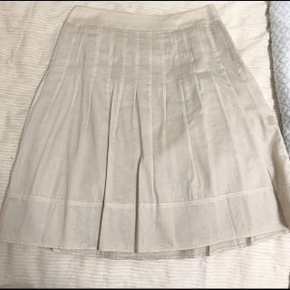 このコーデで使われているひざ丈スカート[ベージュ]