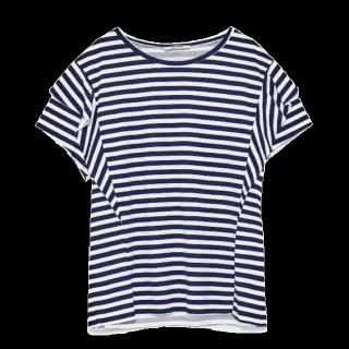 このコーデで使われているZARAのTシャツ/カットソー[ホワイト/ネイビー]