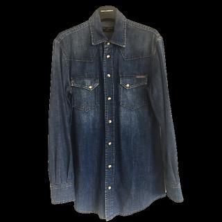 このコーデで使われているDOLCE&GABBANAのシャツ/ブラウス[ネイビー/ブルー]