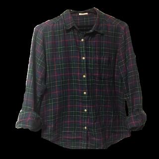このコーデで使われているGUのシャツ/ブラウス[ネイビー/レッド/カーキ]