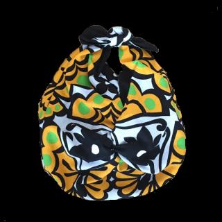 このコーデで使われているバッグ[グリーン/イエロー/ブラック/ホワイト]
