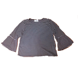 このコーデで使われているGALYGEのTシャツ/カットソー[ホワイト/ブラック]