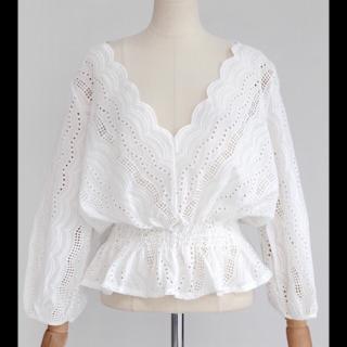 このコーデで使われているdholicのシャツ/ブラウス[ホワイト]