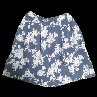 Availのフレアスカート