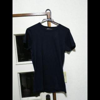 このコーデで使われているTHE WHITE BRIEFSのTシャツ/カットソー[ネイビー]