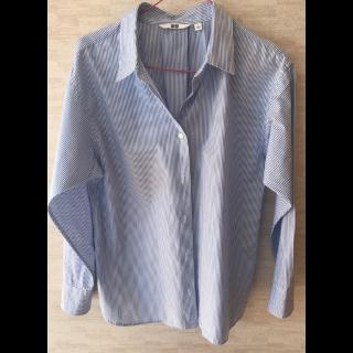 UNIQLOのシャツ/ブラウス