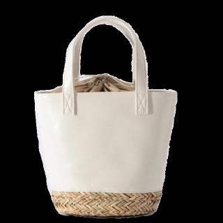 このコーデで使われているikkaのトートバッグ[ホワイト]