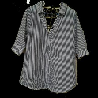 このコーデで使われているJEANASISのシャツ/ブラウス[ホワイト/ブラック]