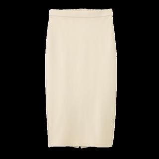 このコーデで使われているGUのスカート[ベージュ]