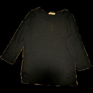 このコーデで使われているearth music&ecologyのTシャツ/カットソー[ネイビー]
