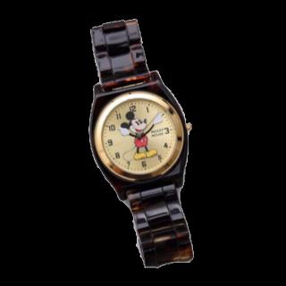このコーデで使われているnano・universeの腕時計[ブラウン/ゴールド]
