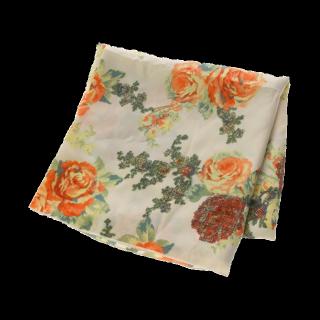 このコーデで使われているEMODAのスカーフ[ホワイト/オレンジ/グリーン]