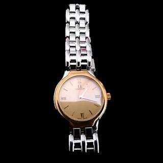 このコーデで使われているOMEGAの腕時計[シルバー/ゴールド]