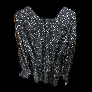 このコーデで使われているURBAN RESEARCH ROSSOのシャツ/ブラウス[ブラック]