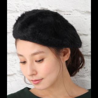 このコーデで使われているLEPSIMのベレー帽[ブラック]