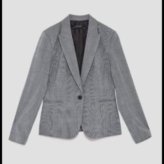 ZARAのテーラードジャケット