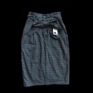 BAYFLOWのタイトスカート