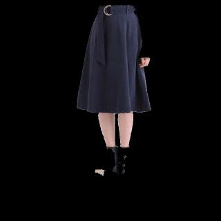 このコーデで使われているMAJESTIC LEGONのミモレ丈スカート[ネイビー]