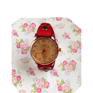 このコーデで使われている腕時計[レッド]