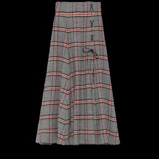 このコーデで使われているsnidelのマキシ丈スカート[グレー]