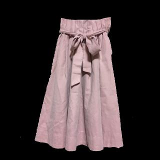 このコーデで使われているmysty womanのマキシ丈スカート[ピンク]