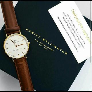 このコーデで使われているDaniel Wellingtonの腕時計[ブラウン/ゴールド]