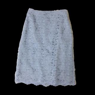 このコーデで使われているJewel Changesのタイトスカート[ブルー]