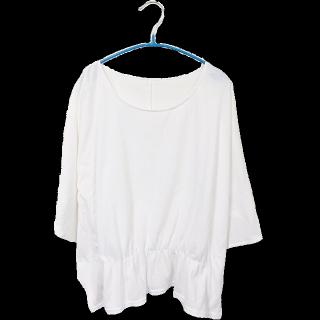 このコーデで使われているLugnoncureのTシャツ/カットソー[ホワイト]