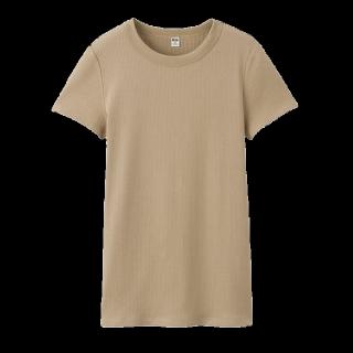 このコーデで使われているUNIQLOのTシャツ/カットソー[ベージュ]