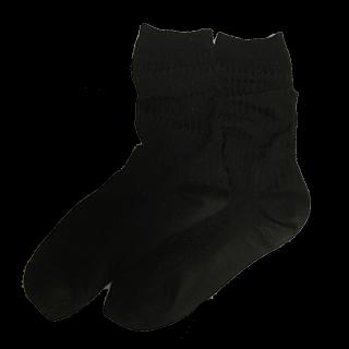 このコーデで使われている靴下屋のソックス[ブラック]