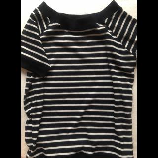 このコーデで使われているTシャツ/カットソー[ネイビー/ホワイト]