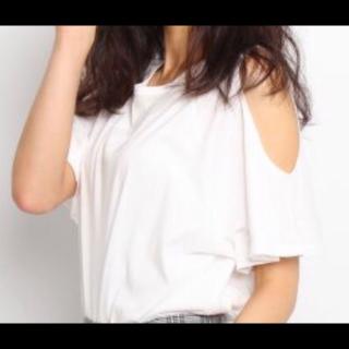 このコーデで使われているOZOCのTシャツ/カットソー[ホワイト]