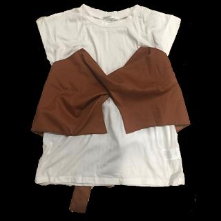 このコーデで使われているRETRO GIRLのTシャツ/カットソー[ブラウン]