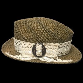 不明の麦わら帽子