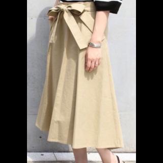 このコーデで使われているNobleのマキシ丈スカート[ベージュ]
