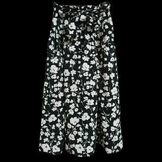 このコーデで使われているGUのマキシ丈スカート[ブラック]