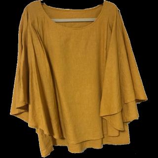 このコーデで使われているAdam et Rope'のTシャツ/カットソー[イエロー]