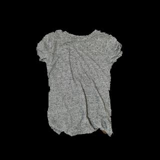 このコーデで使われているH&MのTシャツ/カットソー[グレー]