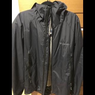 このコーデで使われているColumbiaのジャケット[ブラック]