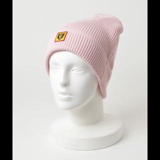 このコーデで使われているHUMAN MADEのニット帽[ピンク]