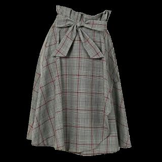 このコーデで使われているLAISSE PASSEのフレアスカート[グレー]