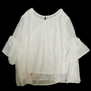 このコーデで使われているしまむらのシャツ/ブラウス[ホワイト]