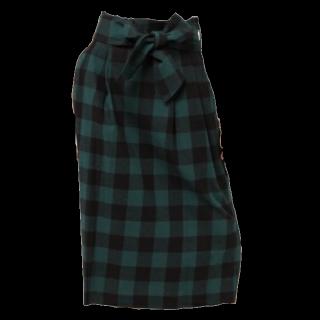 このコーデで使われているCAPRICIEUX LE'MAGEのミモレ丈スカート[グリーン]