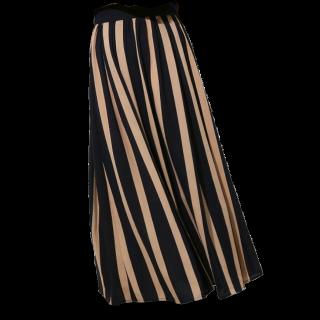このコーデで使われているROPE' PICNICのマキシ丈スカート[ベージュ/ネイビー]