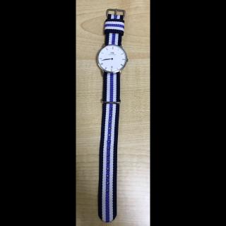 このコーデで使われているDaniel Wellingtonの腕時計[ブルー/ネイビー]