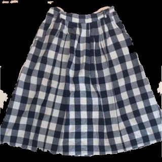 このコーデで使われているひざ丈スカート[ホワイト/ブラック/ネイビー]