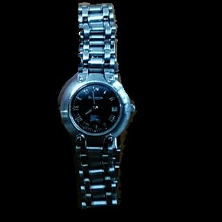 このコーデで使われているBURBERRYの腕時計[ブラック/シルバー]