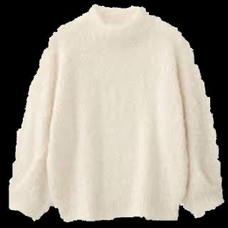 このコーデで使われているGUのニット/セーター[ホワイト/ベージュ]